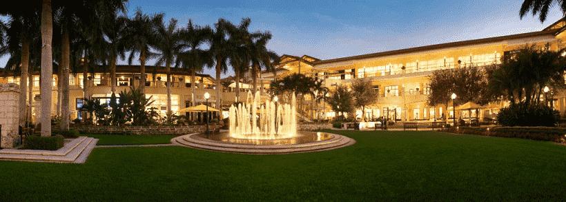 Shopping luxury in Miami