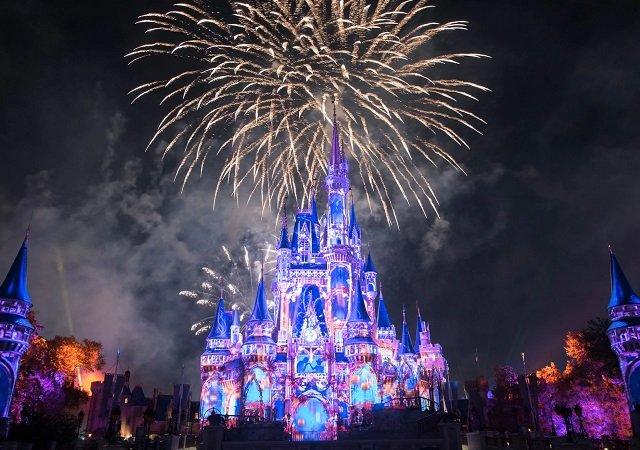 Magic Kingdom fireworks show at Disney