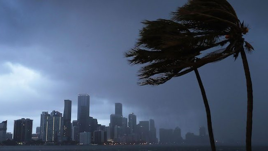 Winds and rain seasons in Miami and Florida